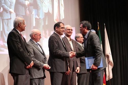 تقدیر-وزیر-بهداشت-از-معاون-بهداشت-دانشگاه-علوم-پزشکی-مشهد
