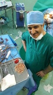 در یک عمل کم نظیر، ۲۷۶ سنگ از مثانه یک بیمار در بیمارستان دکتر شریعتی