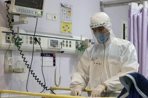 دانشگاه  علوم پزشکی مشهد در تامین اقلام و ملزومات پزشکی موردنیاز کادر درمانی کمبودی ندارد